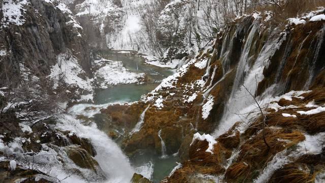 Nacionalni park Plitvicka jezera prekrivena su snijegom