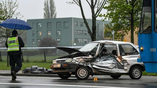 Vozač auta poginuo u sudaru s tramvajem u Maksimirskoj ulici