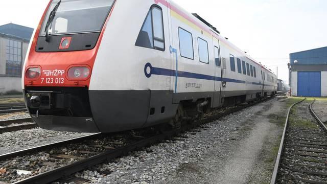 """Bjelovar: Teškoće na prvoj promotivnoj vožnji vlaka na novoj """"Pruzi zvanoj čežnja"""""""