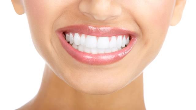 Zubari otkrivaju: Jedete li ovu hranu, nećete imati bijele zube