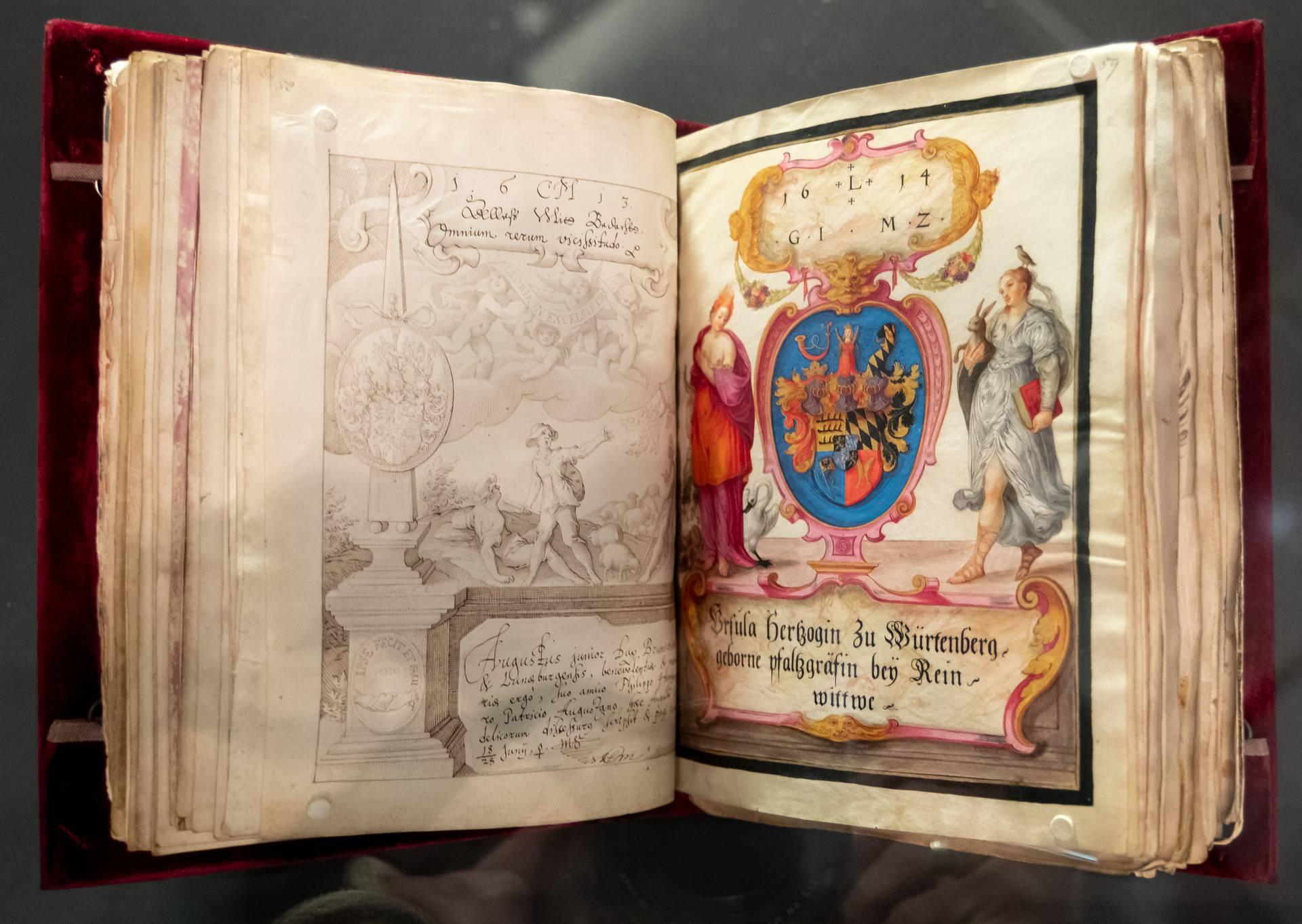 Predstavljena 400 godina stara knjiga