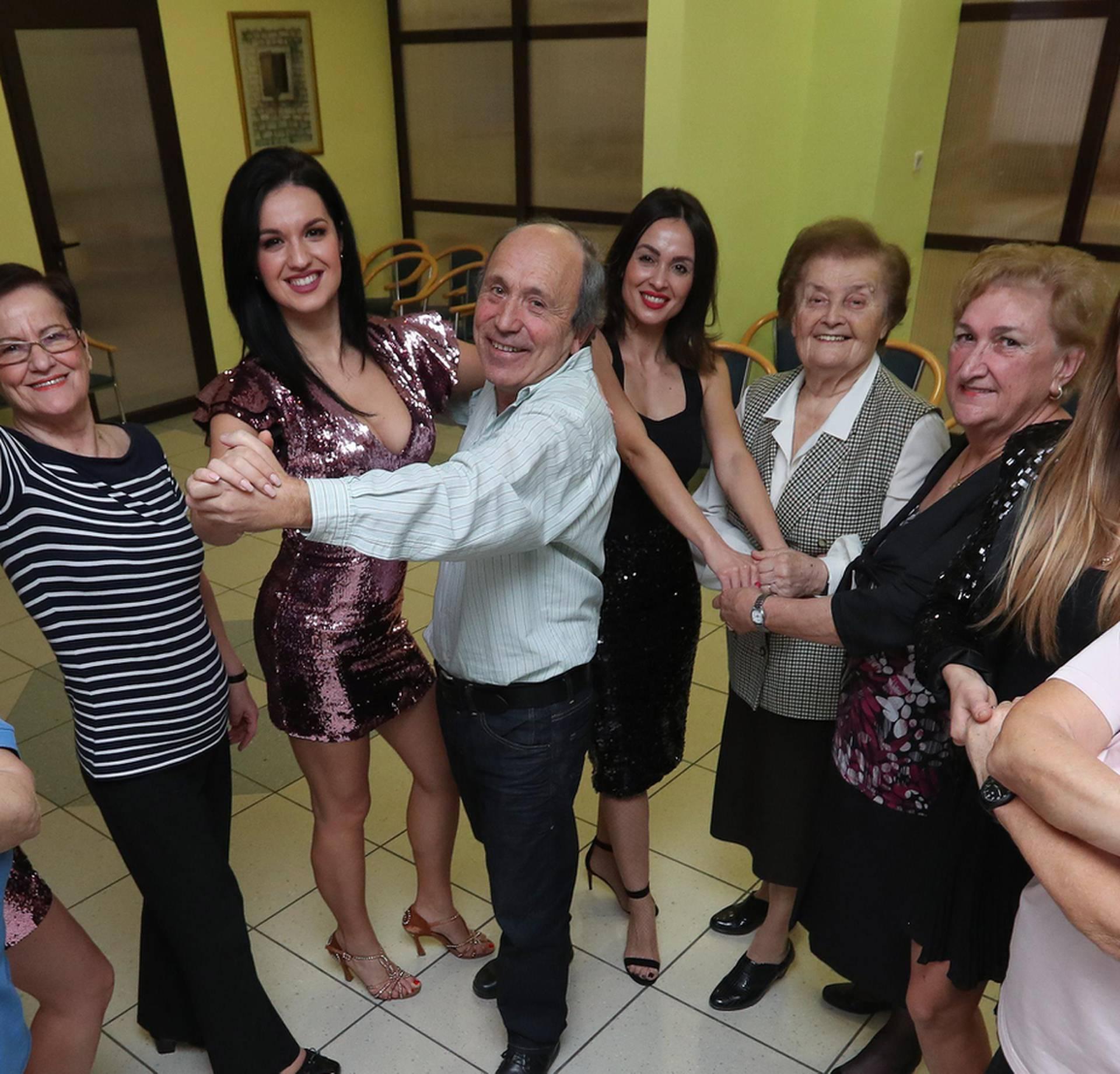 Penzioneri rasplakali plesačice: 'Ovo nam je poklon iz snova'