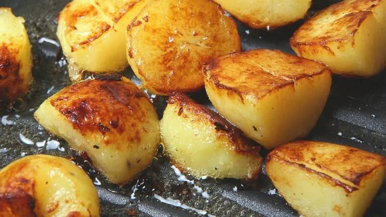 Savjeti kuhara: Kako savršeno ispeći hrskavi krumpir u pećnici