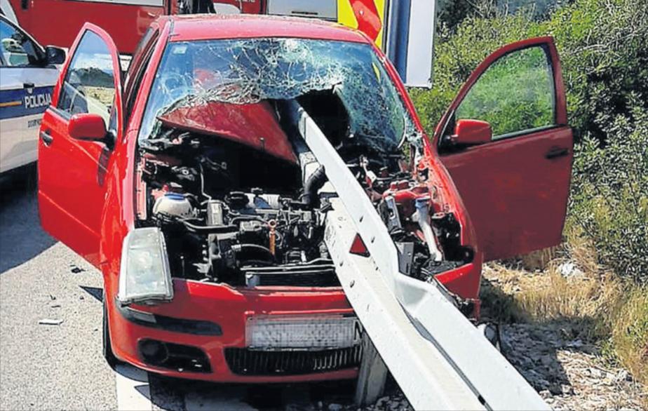 Sreća u nesreći: Škoda uništena, dvije žene tek lakše ozlijeđene