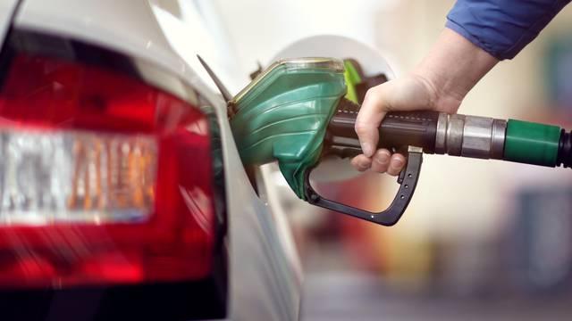 Vozači, uz ove trikove možete uštedjeti i do 20 posto goriva