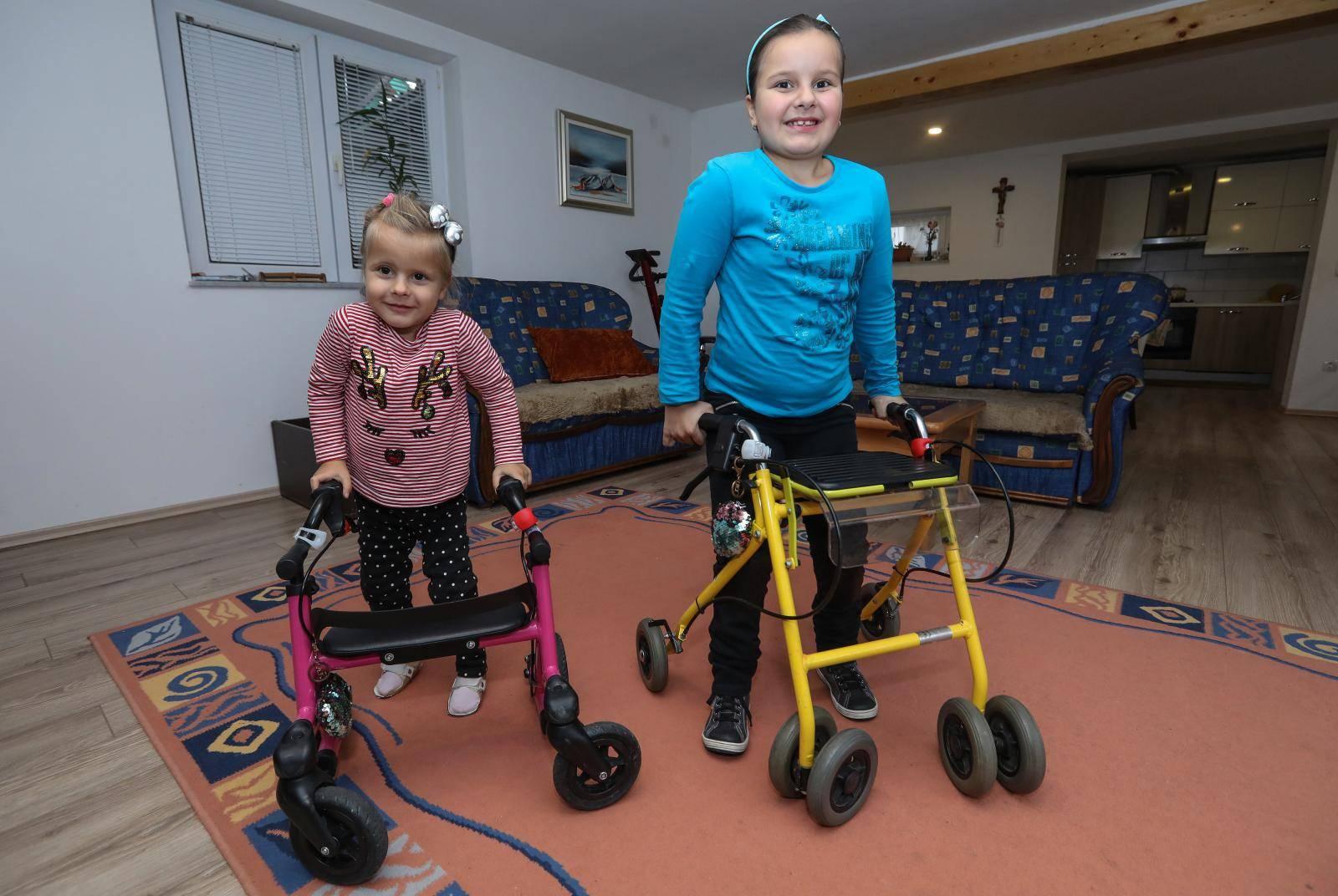 Sestrice trebaju pomoć: 'Još malo i same ćemo prohodati'