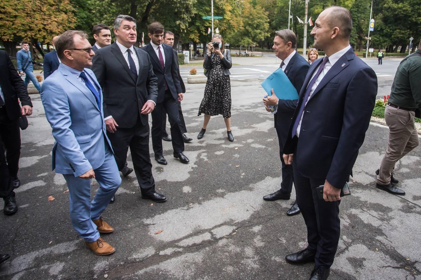 Predsjednik Milanović na svečanoj sjednici Gradskog vijeća Grada Donjeg Miholjca