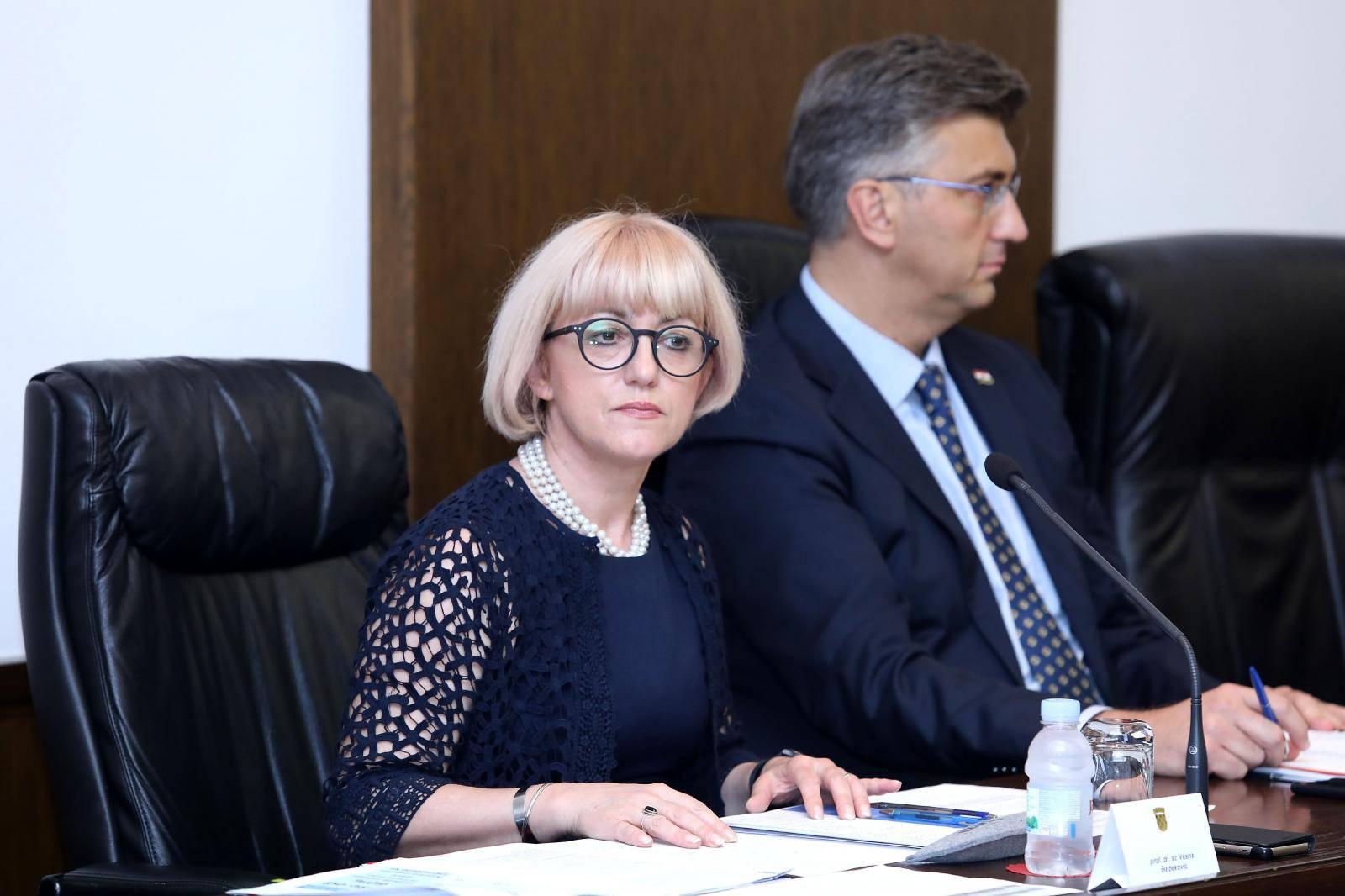 Saborski Odbor za obitelj, mlade i sport raspravlja o povjerenju ministrici Vesni Bedeković