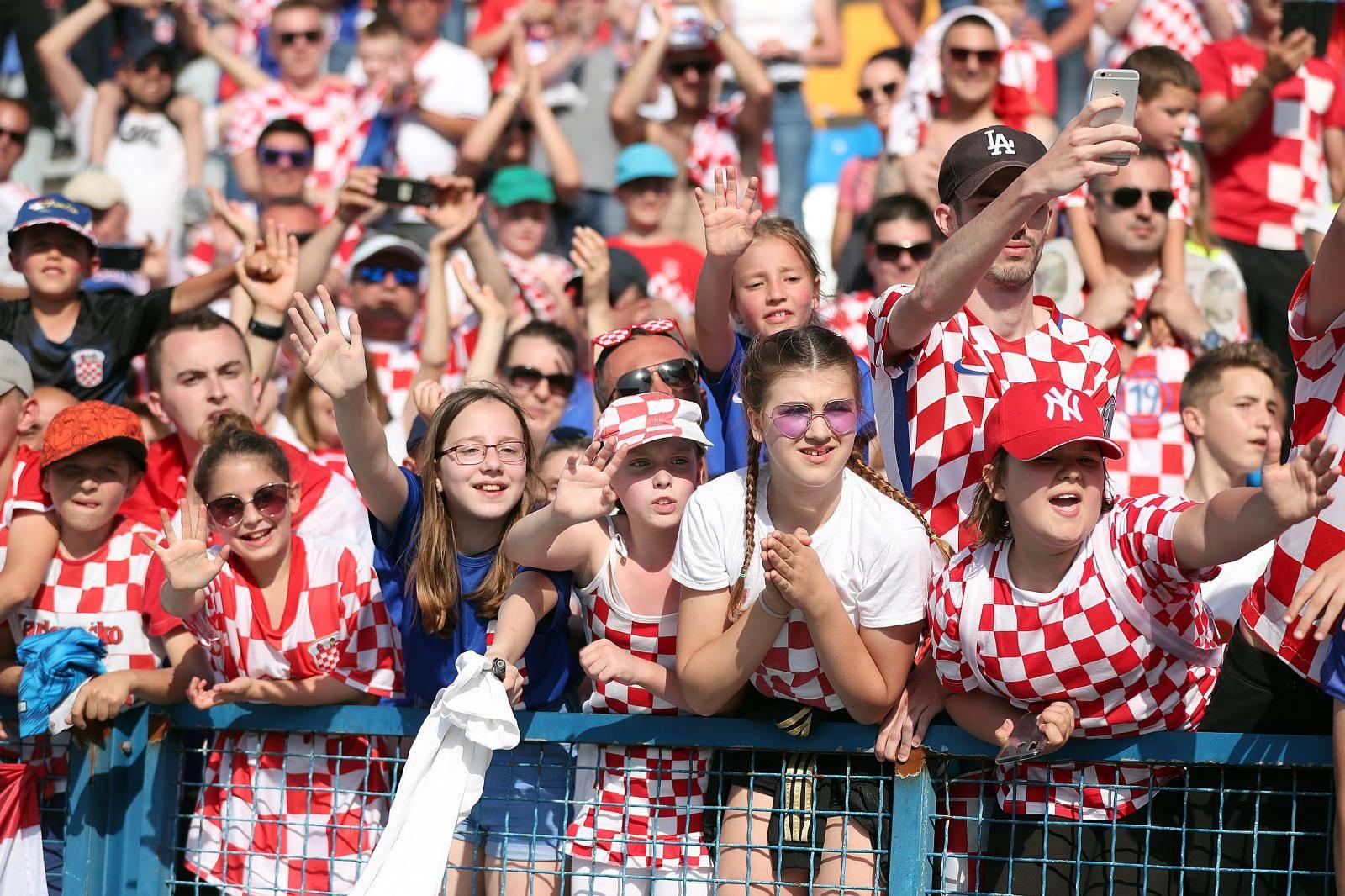 HNS pita navijače gdje bi htjeli Mađare; Osijek: Dobrodošli ste!
