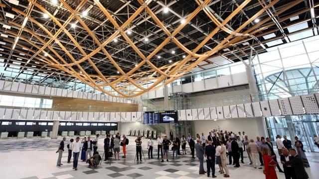 Grmljavinski oblaci spriječili su slijetanje zrakoplova u  Split