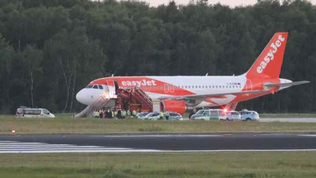 Zrakoplov iz Ljubljane prisilno sletio u Köln, trojica uhićena