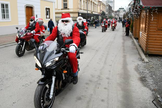 Moto Mrazovi provozali se Bjelovarom, ali zbog korone nisu smjeli djeci dijeliti poklone