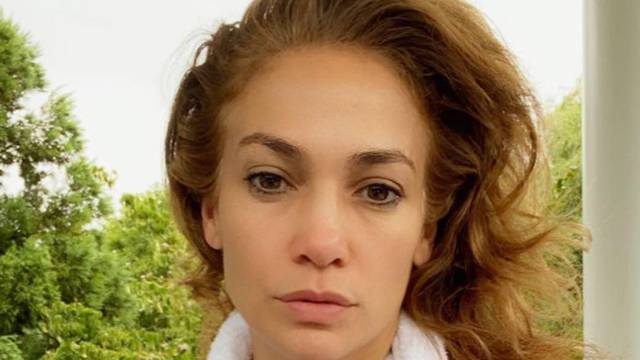 Jennifer Lopez najavila je da pokreće svoju liniju kozmetike