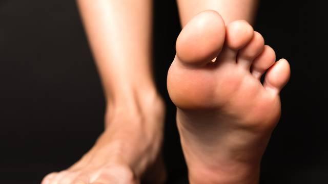 8 koristi cimeta: Liječi gljivice na noktima, neutralizira smrad
