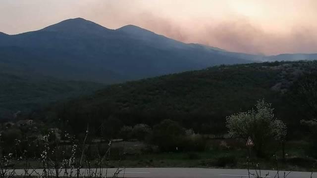 Dalmacija gori: Veliki požari aktivni su u čak tri županije