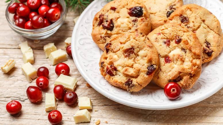 Zdravi keksići sa brusnicama, orasima i zobenim pahuljicama