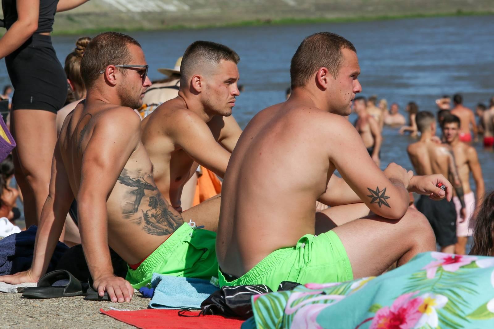 Osječko kupalište na Dravi omiljeno je mjesto za rashlađivanje