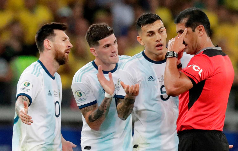 Messi: Zar im je VAR dojadio?! Zakinuli su nas za dva penala!
