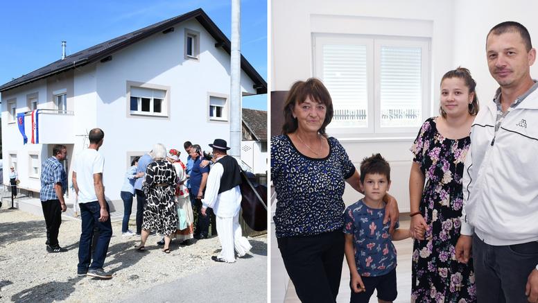 Šesteročlanoj obitelji iz Banovine, čiji je dom uništen u potresu, donirali su novu kuću