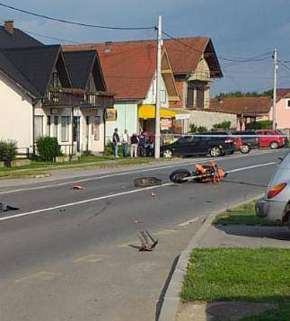 U strašnoj nesreći automobila i motora preminuo motociklist...