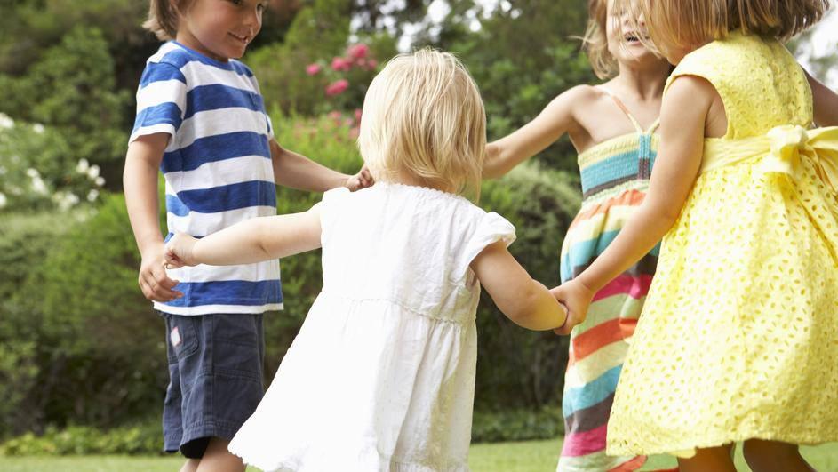 Znate li pravo značenje dječje pjesmice 'Ringe, ringe, raja'?