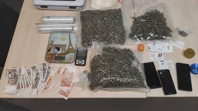 Uhićeni dileri u Opatiji: U stanu pronašli novac, opremu i drogu