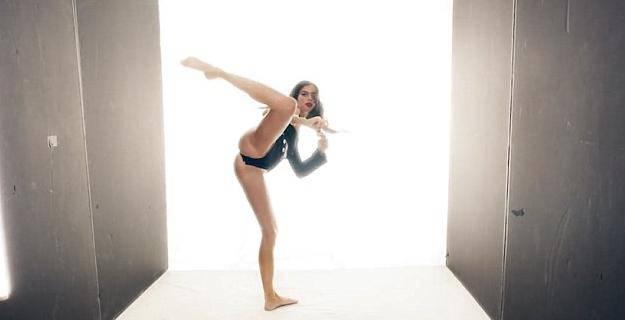 Vrući pokreti manekenke Sare: Karate nikad nije bio tako seksi