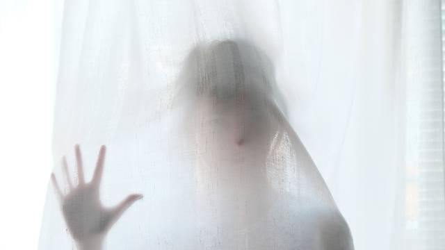 Tijelo joj se nije micalo, a  u očima se vidio užasan strah
