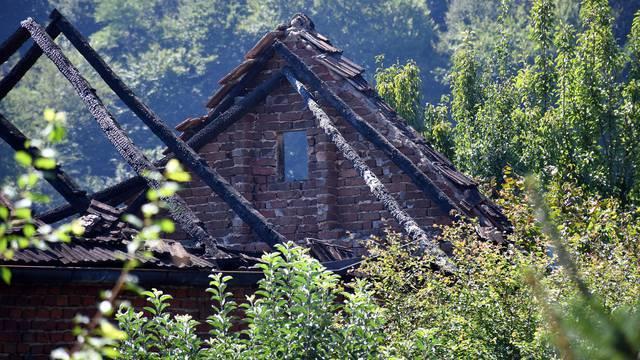 U Požeškoj Koprivnici izgorila  obiteljska kuća