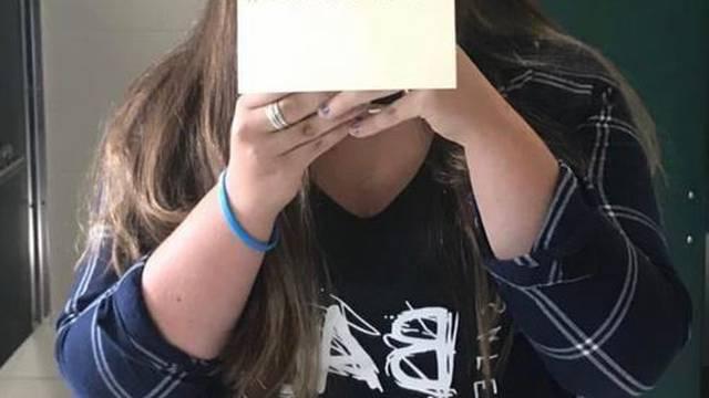 Suspendirali srednjoškolku jer je sve upozorila na silovatelja