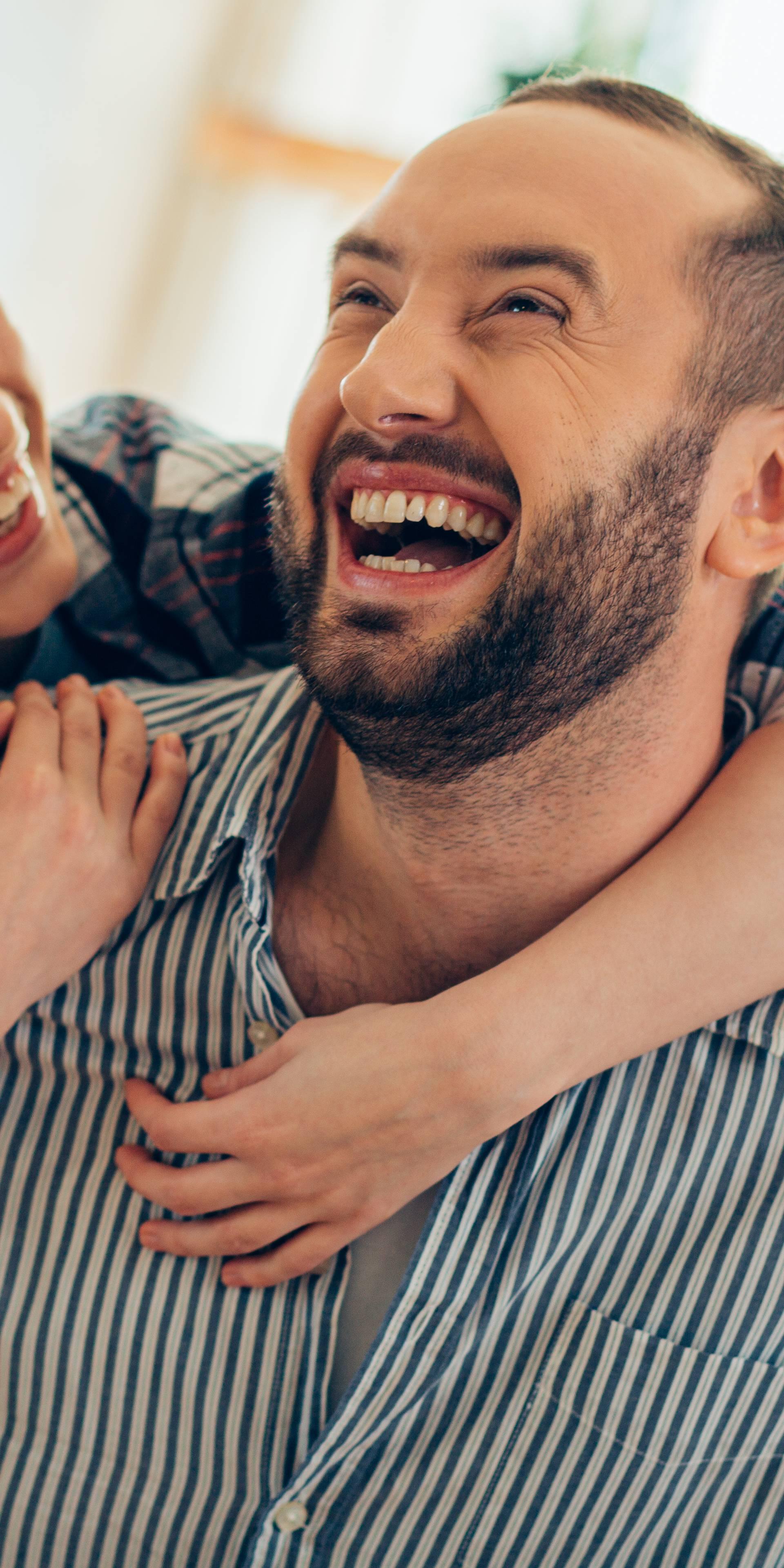 Znanstvenici utvrdili da smijeh jača brak i društvene veze