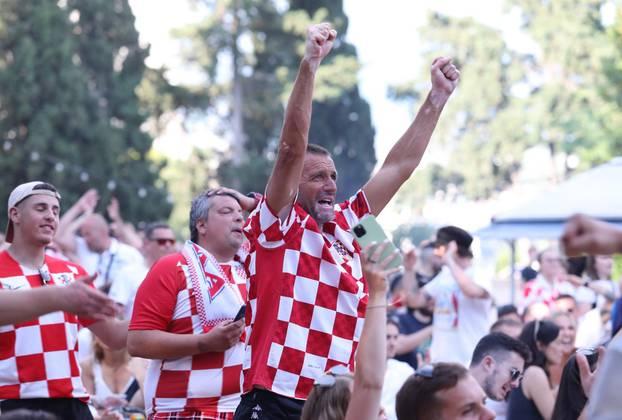 Split: Ljubitelji nogometa prate utakmicu između Hrvatske i Češke