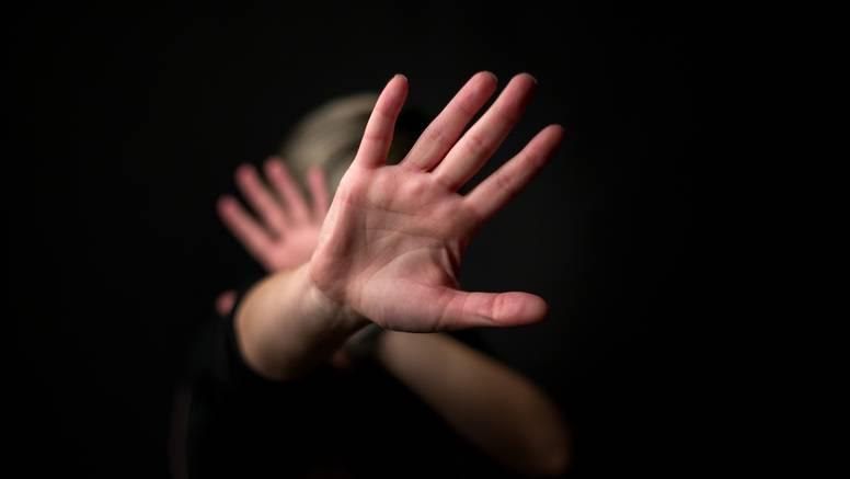 Nasilnik iz Kuršanca: Istukao je ženu i polio troje djece vodom