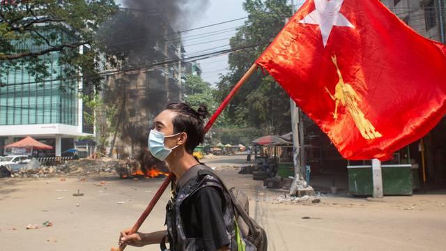 Žele svrgnuti vojnu huntu, smijenjeni dužnosnici osnovali vladu nacionalnog jedinstva