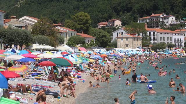 U Hrvatskoj 246 tisuća turista, promet na 26-27 posto lanjskog