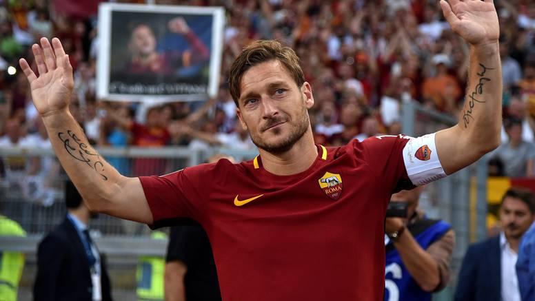 Totti želio promašiti penal na oproštaju za zahvalu 'tifosima'