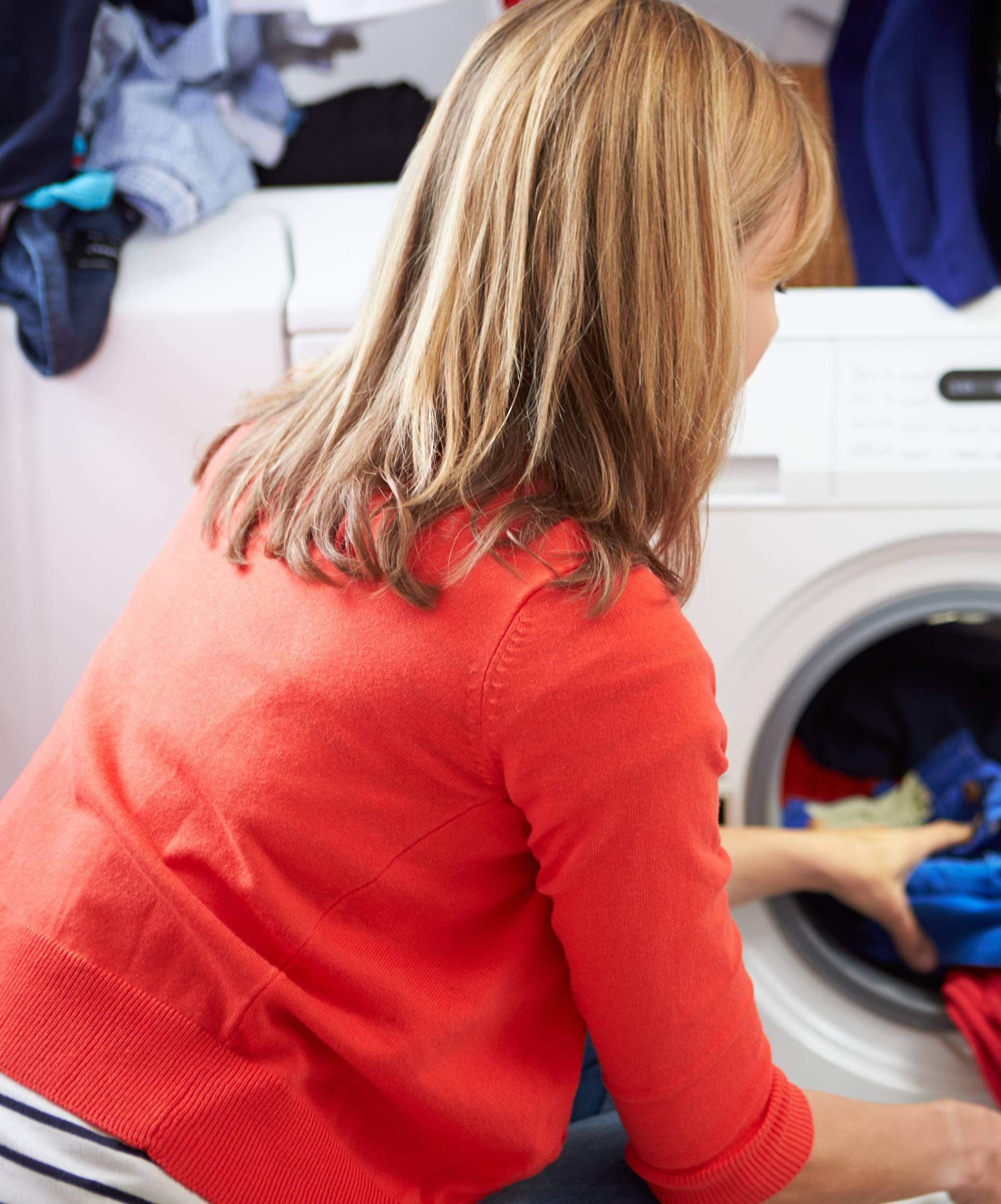 Ovih 11 stvari baš nikada ne bi trebale završiti u perilici rublja