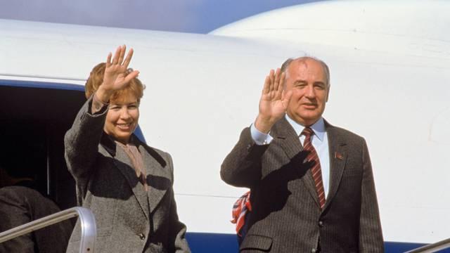 Mikhail Gorbachev visits France
