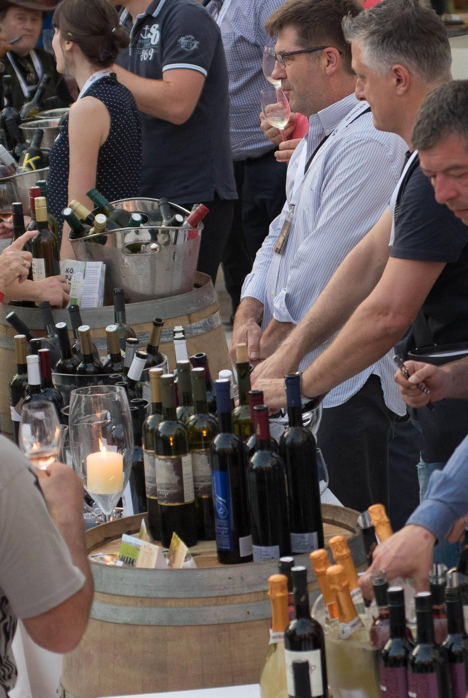 Festival vina: Birali najljepše boce i uživali su u janjetini