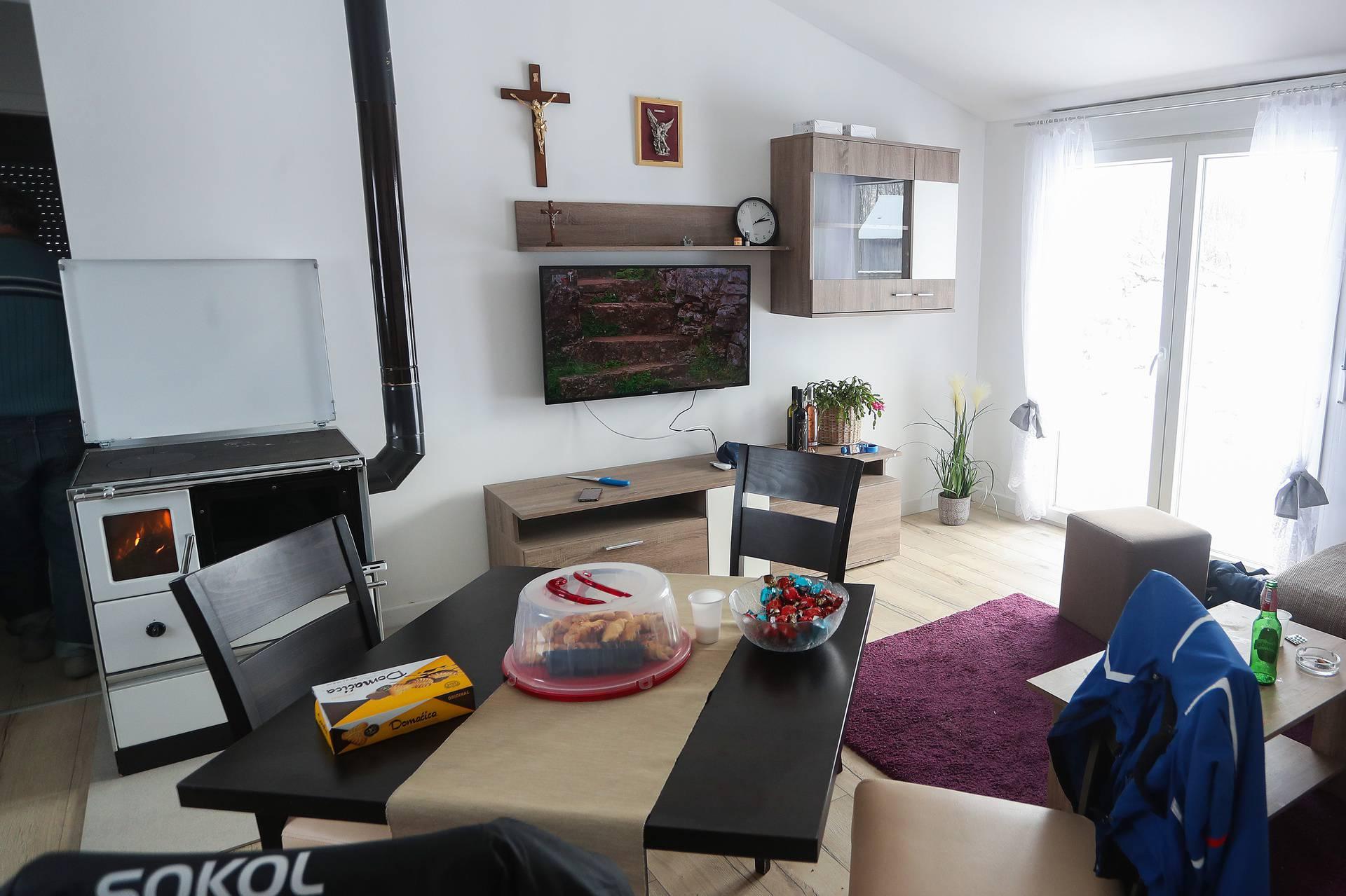 Majske Poljane: Obitelji Suknaić napravili kuću za 3 dana