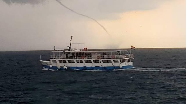 VIDEO Snimila megapijavicu u Rovinju: 'Čuvajte se! U samo 2 sata u Istri je bilo 6500 munja'