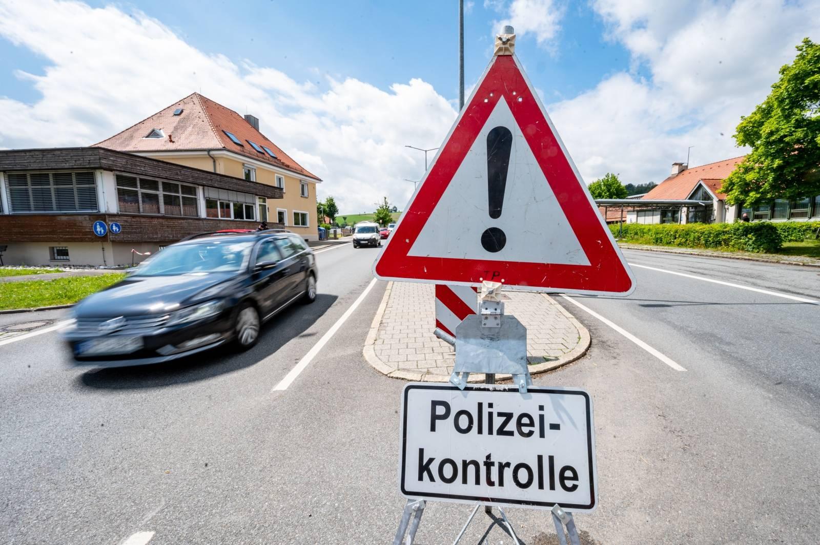 Coronavirus - Czech Republic opens border again