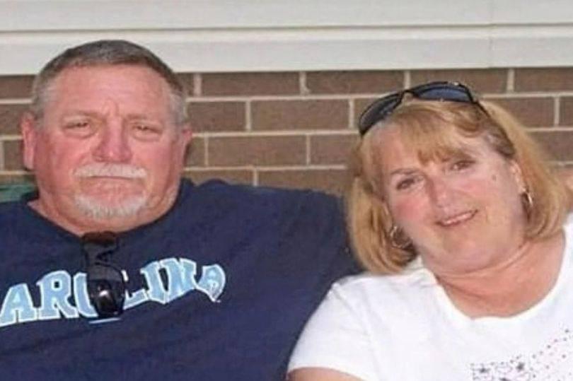 Bili su skupa 48 godina, držali su se za ruke i umrli od korone u razmaku od četiri minute...