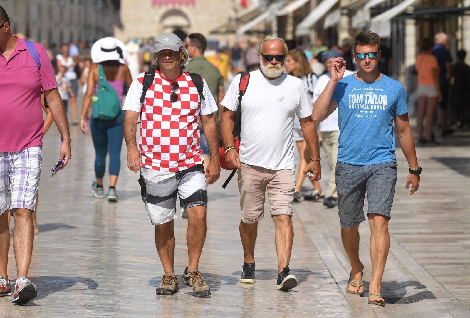 Jedan od najboljih suvenira u Dubrovniku ipak je kockasti dres srebrnih nogometaša