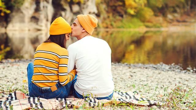 'Bili smo prijatelji, a onda smo ostavili svoje supružnike i sad smo nas dvoje u sretnom braku'