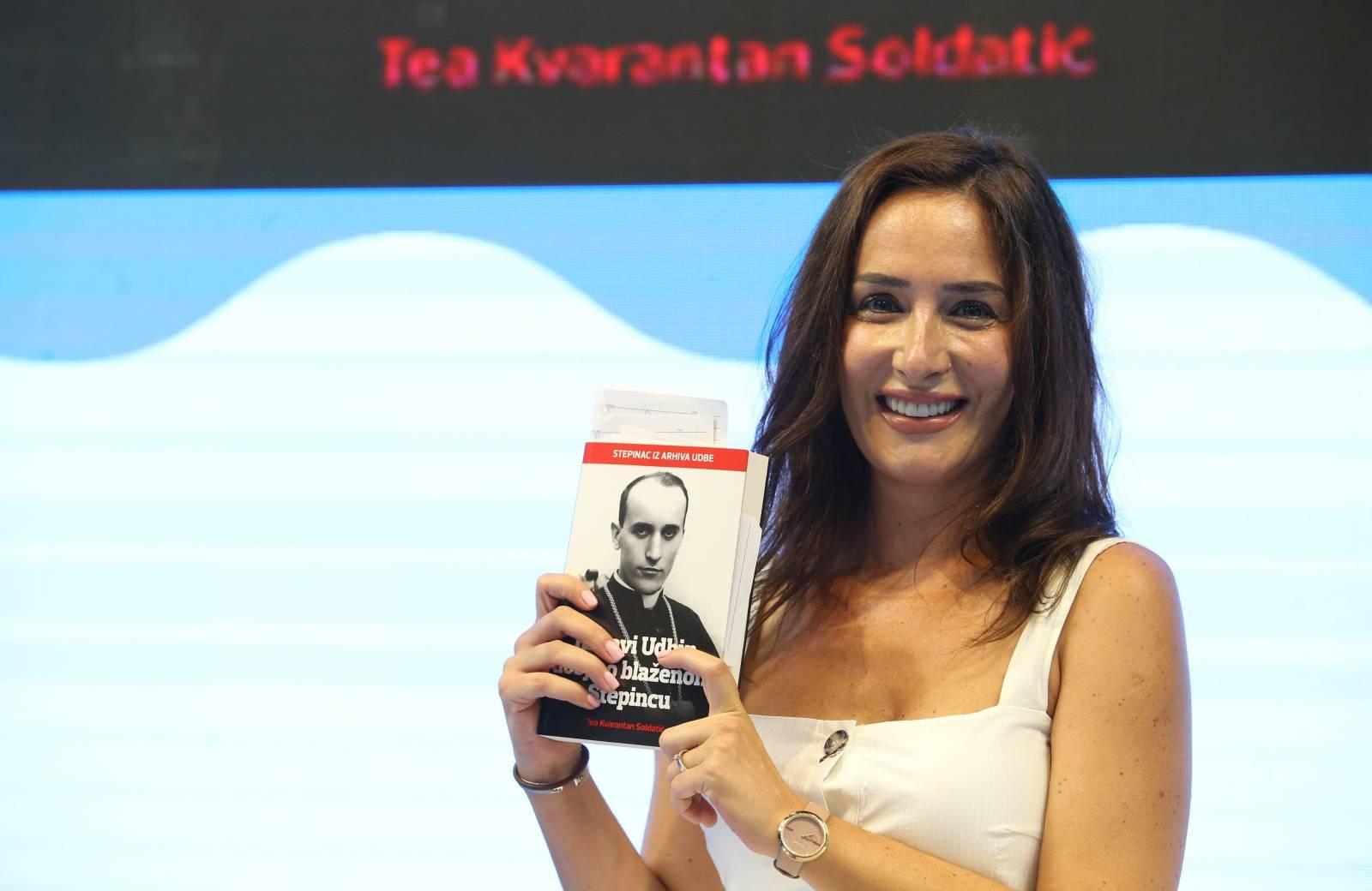 """Split: Promocija knjige Tea Kvarantan Soldatić """"Krvavi Udbin dosje o blaženom Stepincu"""""""