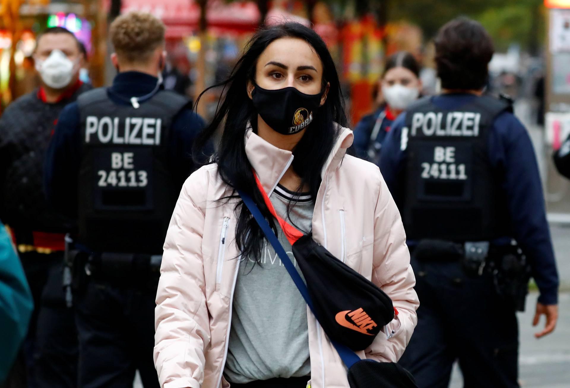 The outbreak of the coronavirus disease (COVID-19) in Berlin