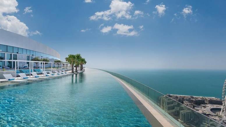 U Dubaiju je otvoren bazen na gotovo 300 m nadmorske visine