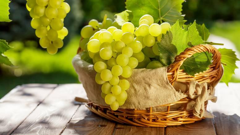 7 razloga zašto jesti grožđe: Bolji san i dobro zdravlje očiju