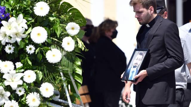 Varaždin: Sprovod Nine Čengića koji je preminuo nakon što je bio pretučen